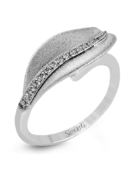 DR246 RIGHT HAND RING
